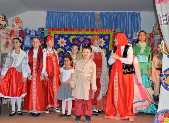 Воскресная школа собора Георгия Победоносца показала Масленичное представление